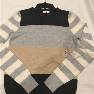 NWT  scoop neck sweater